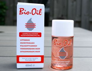 si bio oil yang mengandung purecellin oil. image via www.beautyaddicts.nl